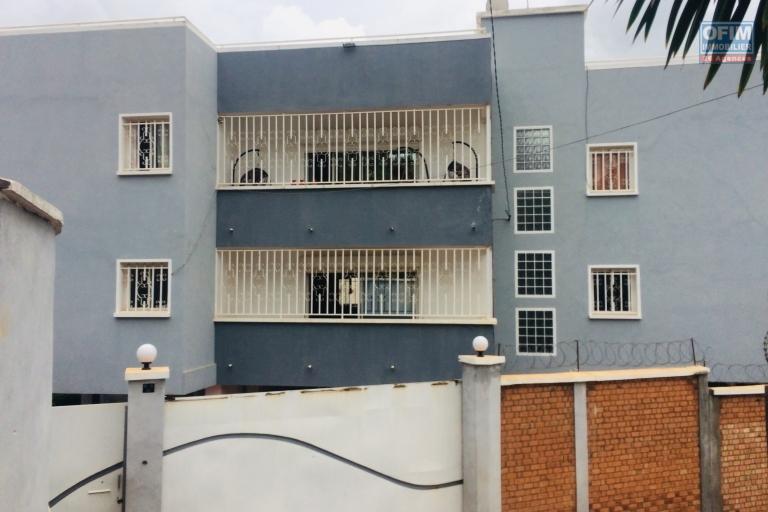 A vendre immeuble contenant des appartements à Ivandry