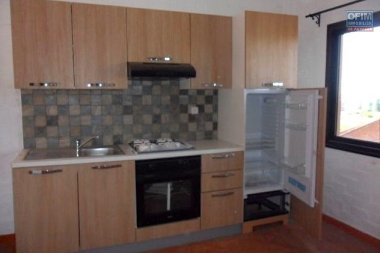 A louer appartement F3 dans une résidence, proche centre ville Ankatso Antananarivo