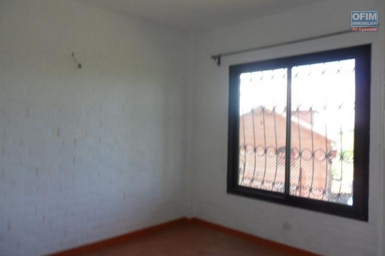 A louer appartements F3 dans une résidence sécurisée, avec piscine à Ankatso proche centre ville Antananarivo