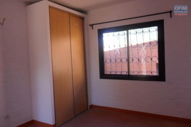 A louer appartements grand F3  dans une résidence sécurisée avec piscine à ANkatso