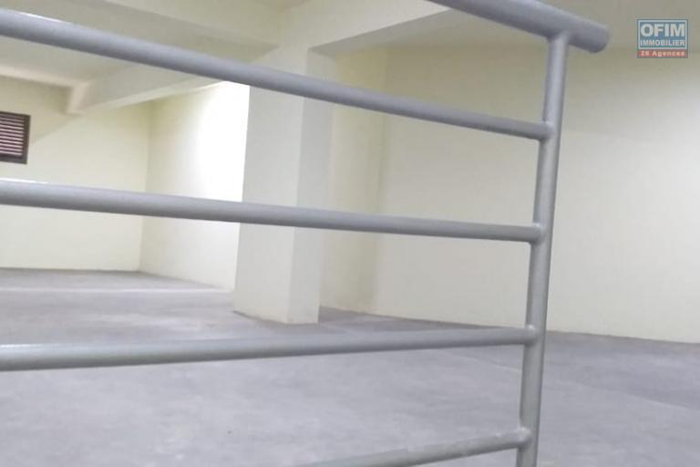 Occasion rare, OFIM met à la location des locaux commerciaux de 45,5m2 à 65m2 sis au bord de route de Tsaralalana disponible de suite