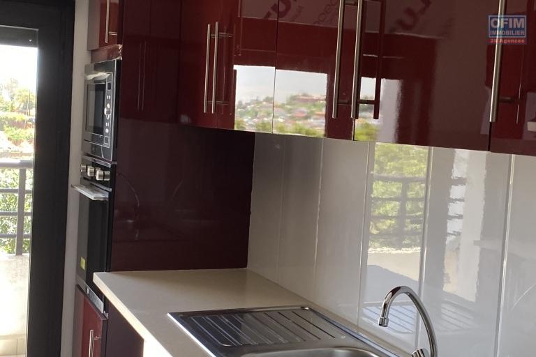 A vendre bel appartement T3 neuf avec une très belle vue à Tsiadana proche du centre viile .