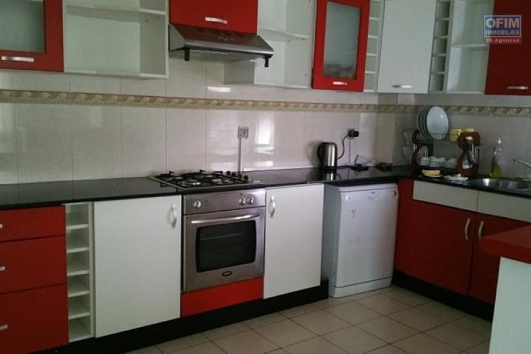 A louer un appartement de type F3 facile d'accès à proximité de toutes les commodités sis à Andranomena.