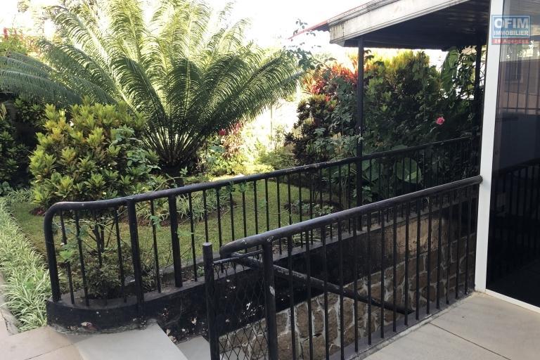 A saisir lot de 2 Villas dans le quartier très recherché de Cité Planton