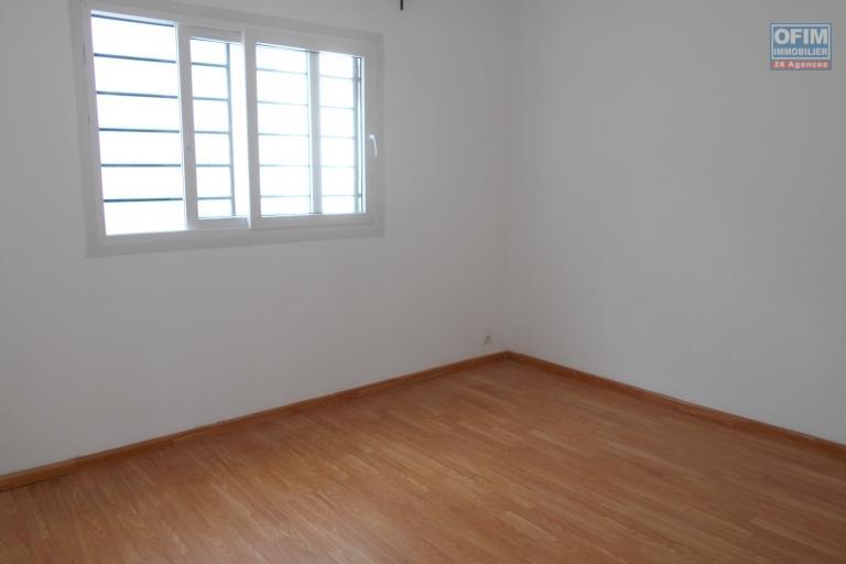Des appartements T3 neufs sécurisés à Ambohimiandra