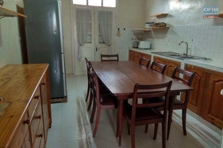 Location appartement T5 meublé à Alarobia Amboniloha