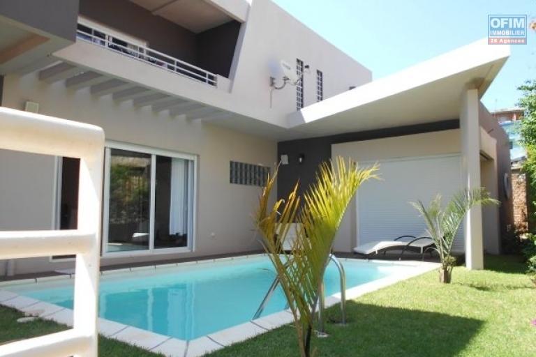 Une villa F5 avec piscine à Betongolo