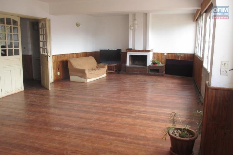 Spacieux appartement T3 à Ambatoroka