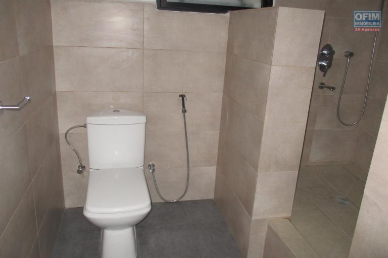 Un appartement neuf T3 proche de shoprite Amefiloha