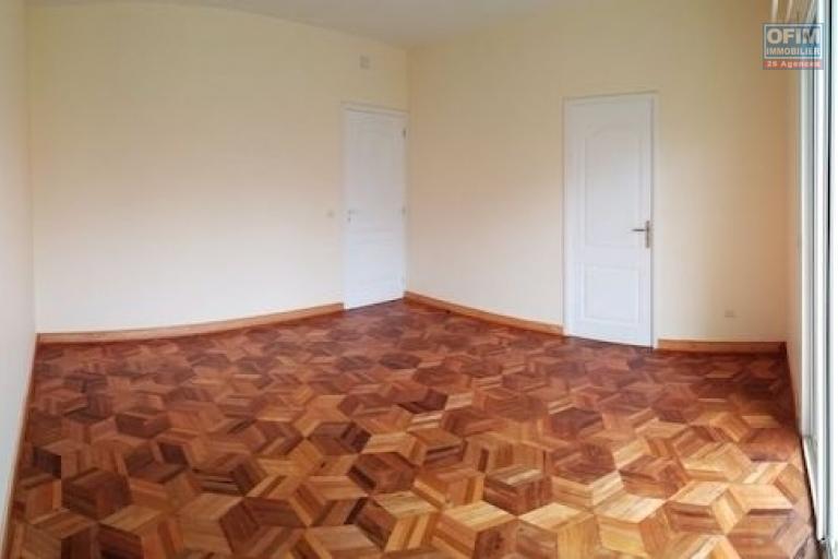 A louer des appartements T4 neufs dans un endroit calme à Anosiala