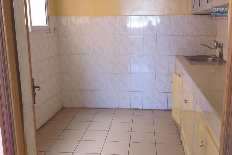 OFIM propose en location un appartement T4 de 125m2 à Anosivavaka en moins de 5min d'Andraharo