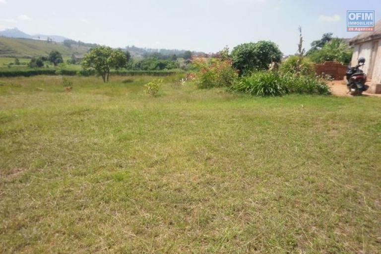 A vendre terrain de 5085 m2  à Ambohidratrimo