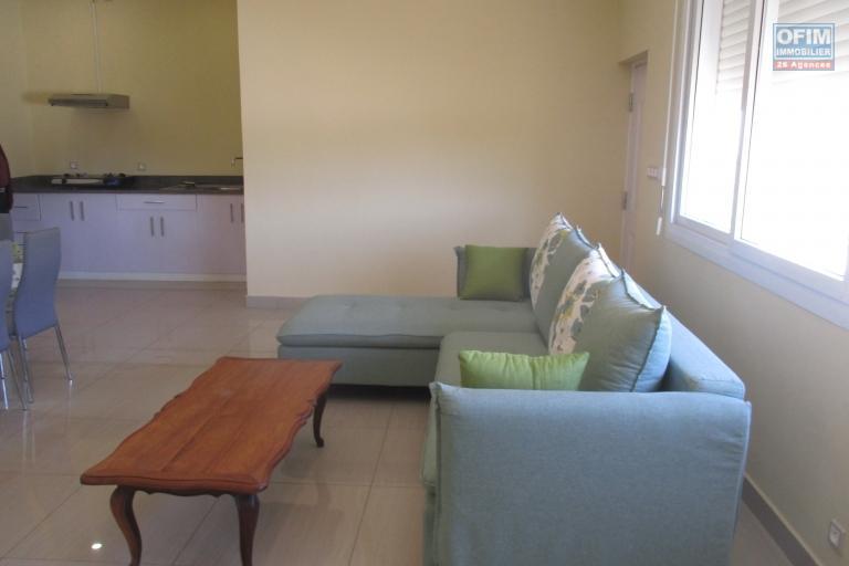 un appartement T3 meublé et équipé dans le quartier résidentiel à 10 mn de l'école B au cité planton
