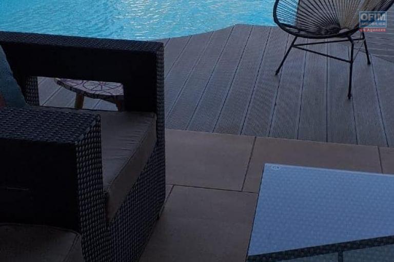 OFIM offre en location une charmante villa moderne F4 non meublée avec piscine et jardin dans une résidence sécurisé 24/24 à Tanjombato