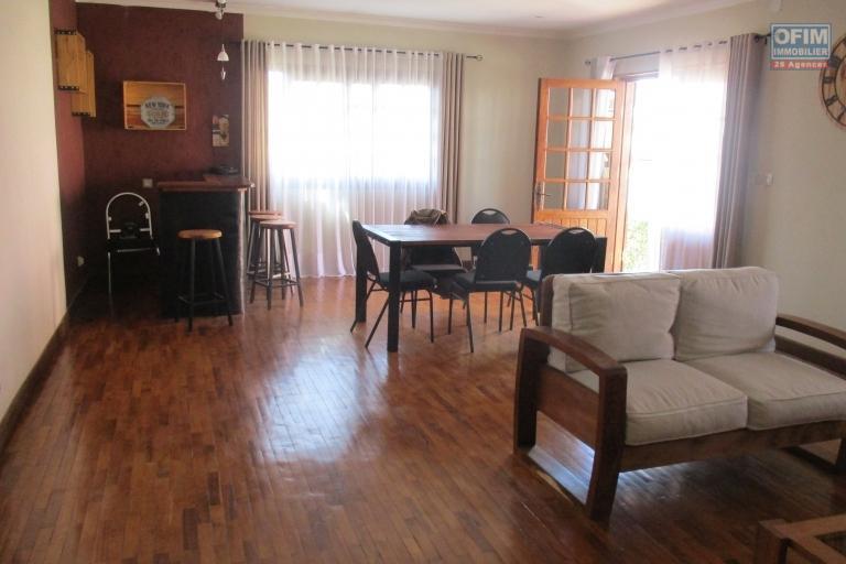 Location villa F4 semi meublée à 15 Mn du lycée Français à Antsampandrano Ilafy