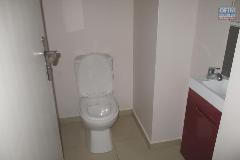 2 appartements neufs type T2 dans une résidence sécurisée avec piscine à Ivandry