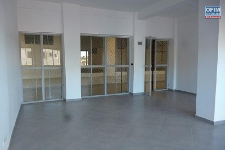 A louer un local pour bureau à Ambohibao proche de l'ambassade américaine
