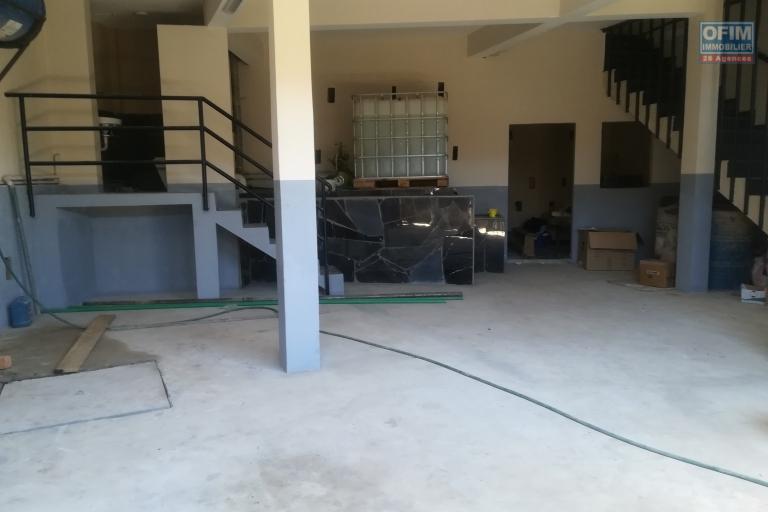 Un bureau d'environ 240m2 à Tsiadana