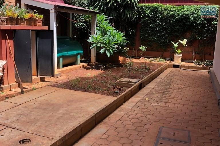 Vente d'une maison F5 sur Andoharanofotsy avec un grand jardin