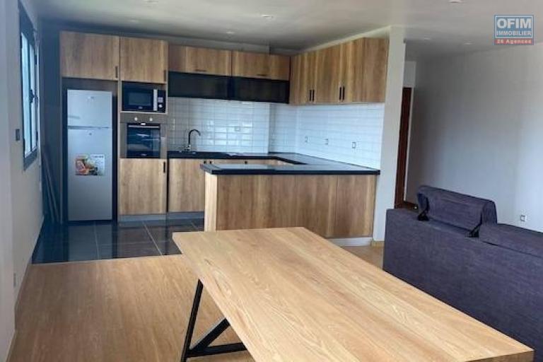 A louer des appartements neufs T5 avec piscine dans un endroit facile d'accès à Ambohibao