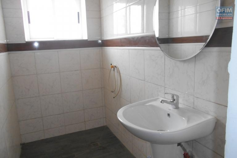 Un appartement T3 à 5mn du centre ville à Antsakaviro