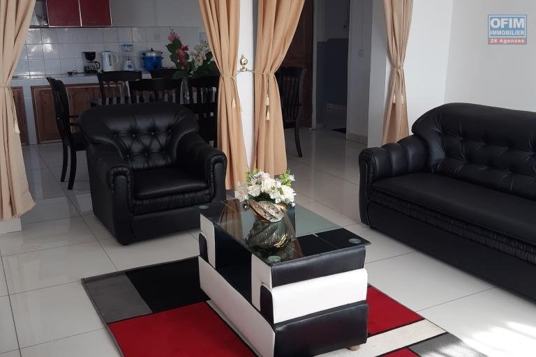 A louer 3 appartements dont 2 meublés de type F3 dans un immeuble de R+2 fraichement construite sis à Andranoro Ambohibao