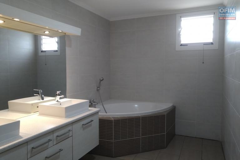 Un grand appartement T4 de 205 m2 dans la résidence d'Ambatobe - Antananarivo