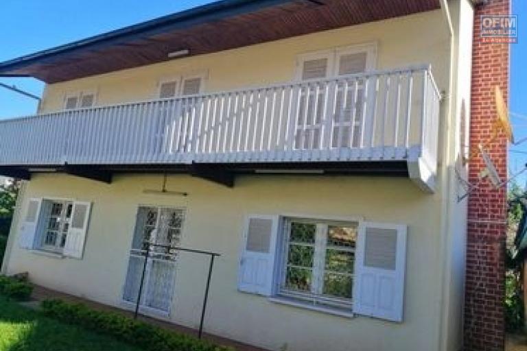 Une villa de type F5 à étage à Tanjombato