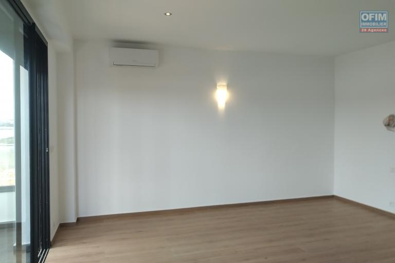 A vendre villa  F4 moderne et neuve  dans un lotissement au bord du lac Andranotapahana - chambre enfant