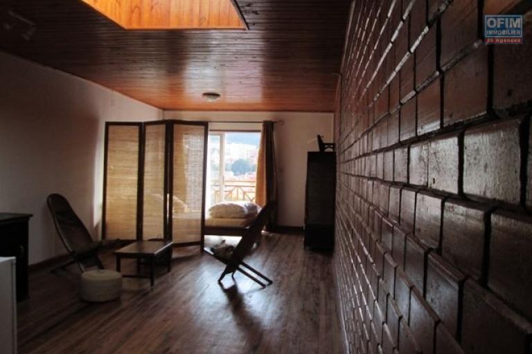 A louer studio à Ambaranjana