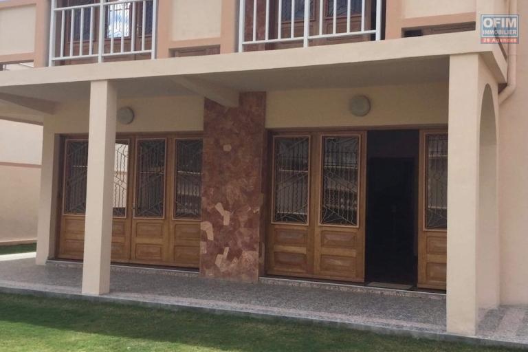 Une villa à étage F6 à Ankerana à 5mn du Lycée Français