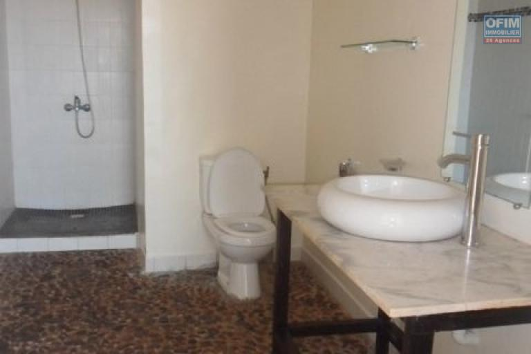 A louer appartement T3 dans une résidence sécurisée à Ankatso Antananarivo