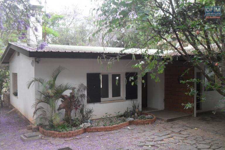 A louer une villa basse F5 dans un quartier résidentielle très sécurisée située à Ankadikely Ilafy