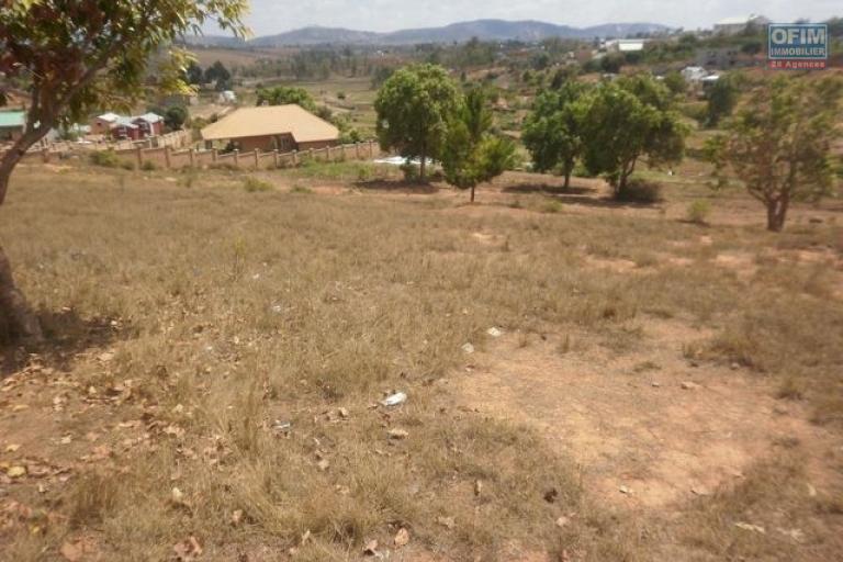 A vendre grand terrain de 5587 m2 Ambohidratrimo