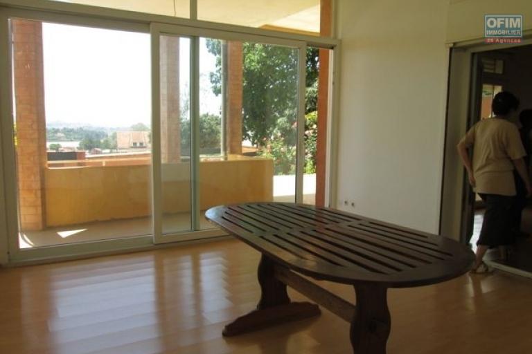 A louer bel appartement T2 au RDC avec jardin  à proximité du centre ville à Ambohimiandra- Antananarivo