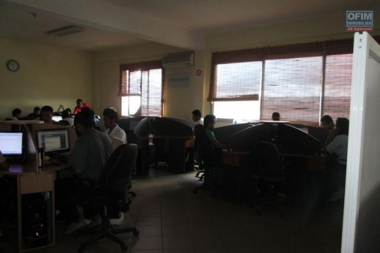 A louer un local de 360m2 Route du Pape à Antananarivo