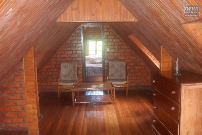 A louer une villa F4 meublée située dans un endroit calme et sécurisée à Talatamaty