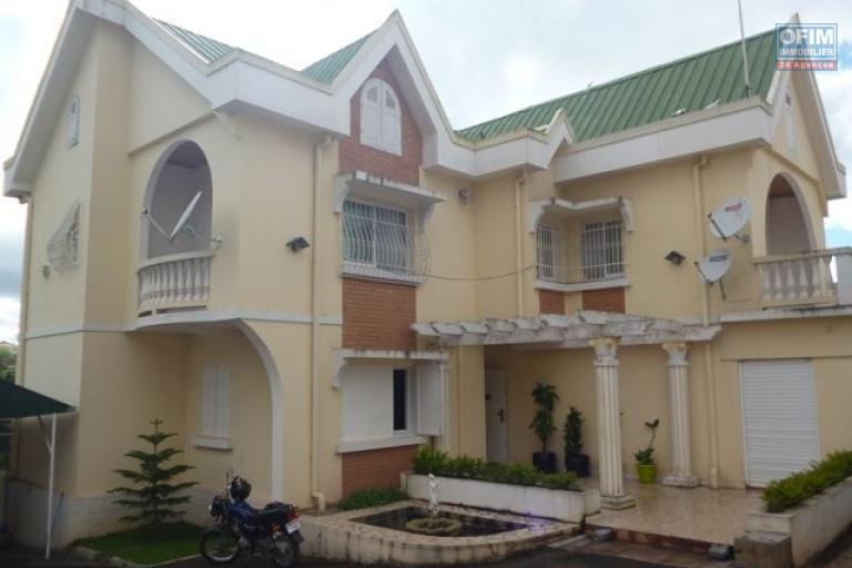Vente maison villa antananarivo tananarive a for Chambre de commerce de madagascar