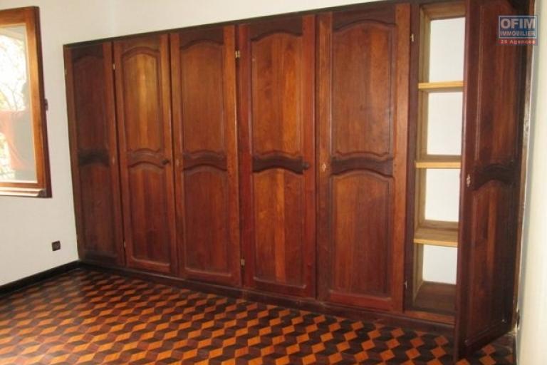 A louer une villa F5 dans un quartier résidentiel à Avarabohitra Itaosy Antananarivo