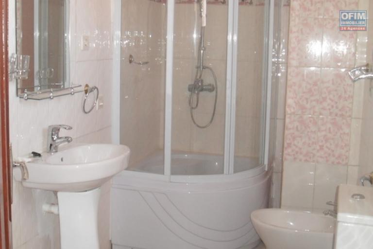 A louer une villa neuve F5 idéale pour habitation ou pour bureau sise à Ambohibao