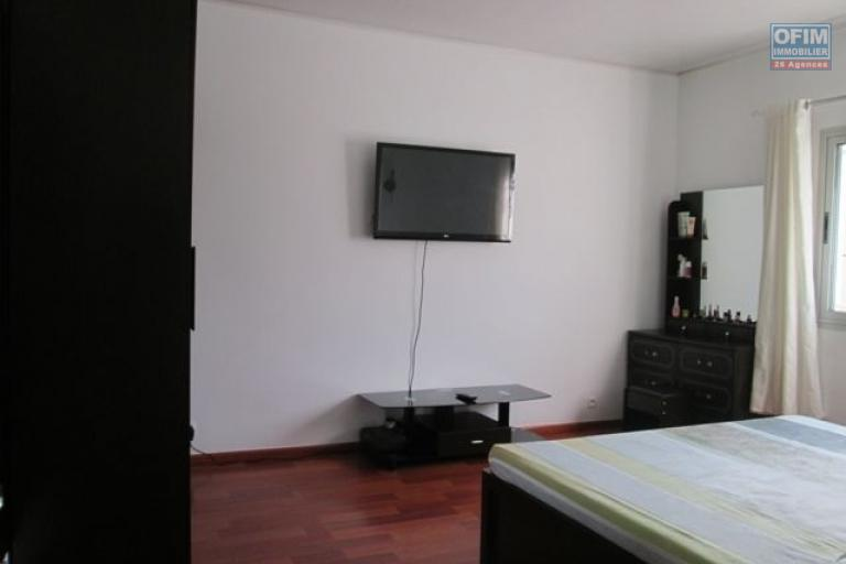 A louer, villa F6 de standing, meublée équipée dans une résidence sécurisé à Ambolokandrina Antananarivo