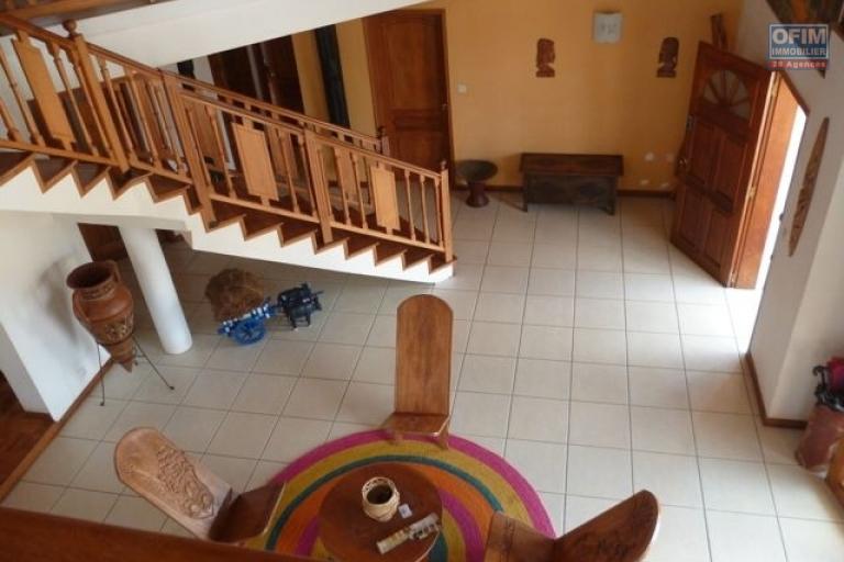 A vendre magnifique villa de standing avec piscine à Anosy Avaratra