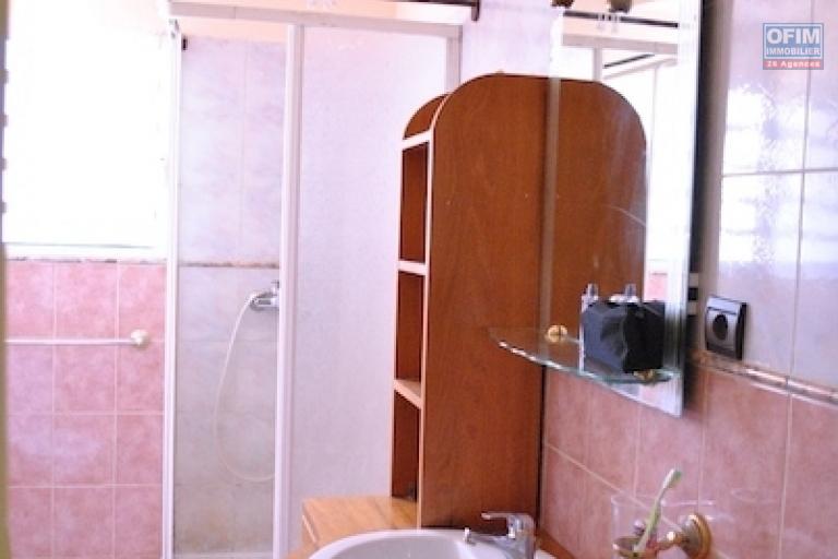 A louer un appartement  meublé T4 avec piscine dans un quartier calme à Ankerana