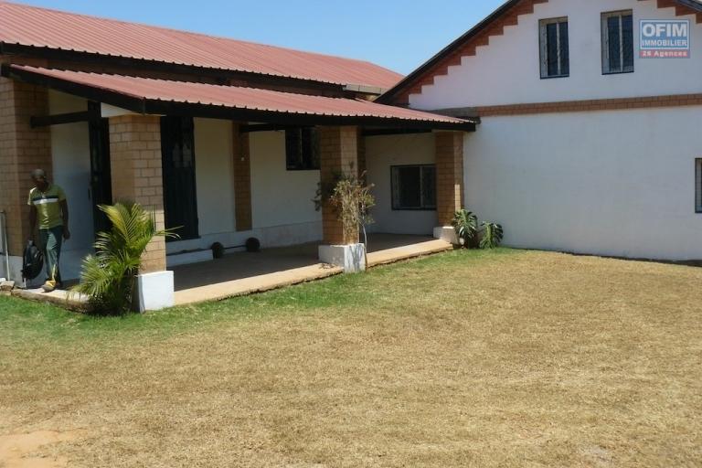 A louer villa basse de type F2 à Ankadikely-IlafyAntananarivo