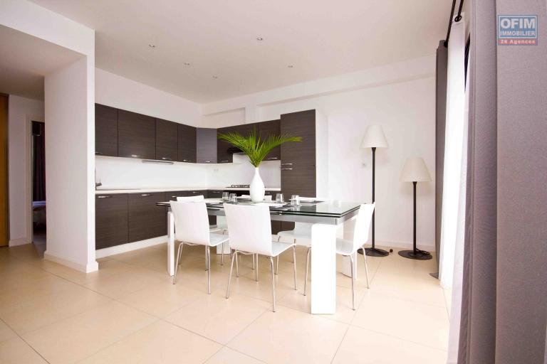 A vendre magnifique avec une vue panoramique  appartement T4  proche du Lycée français de Tananarive - cuisine