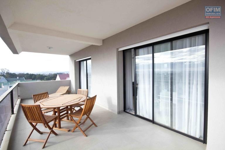 A vendre magnifique avec une vue panoramique  appartement T4  proche du Lycée français de Tananarive - terrasse
