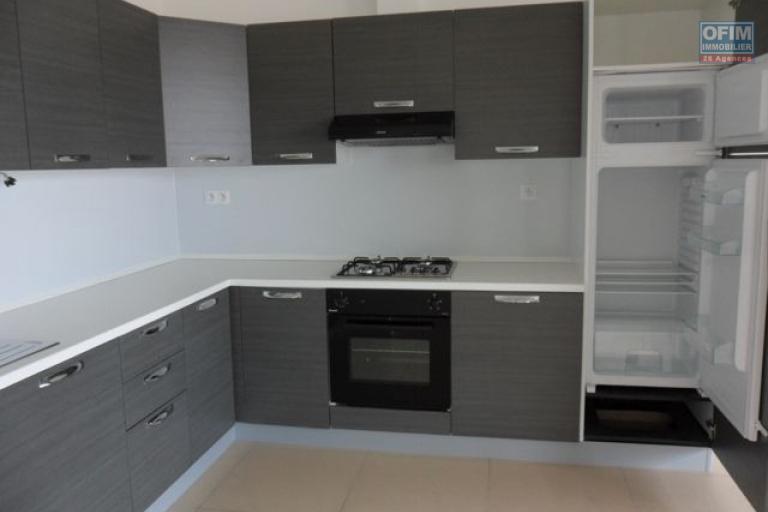 A vendre magnifique  appartement T4  proche du Lycée français de Tananarive - cuisine