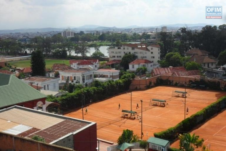 A vendre immeuble contenant 4 appartements à Ambohidahy