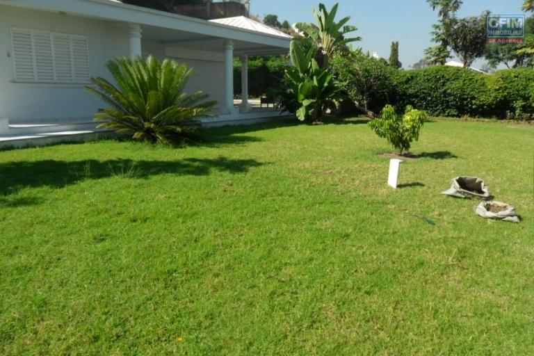 A louer grande villa F4 spacieuse Ambatomaro Tananarive
