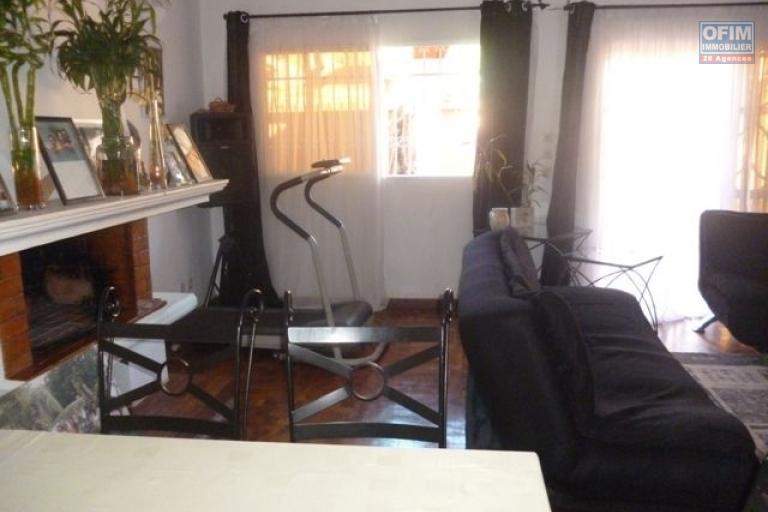 A vendre grande villa à étage à Mahazoarivo